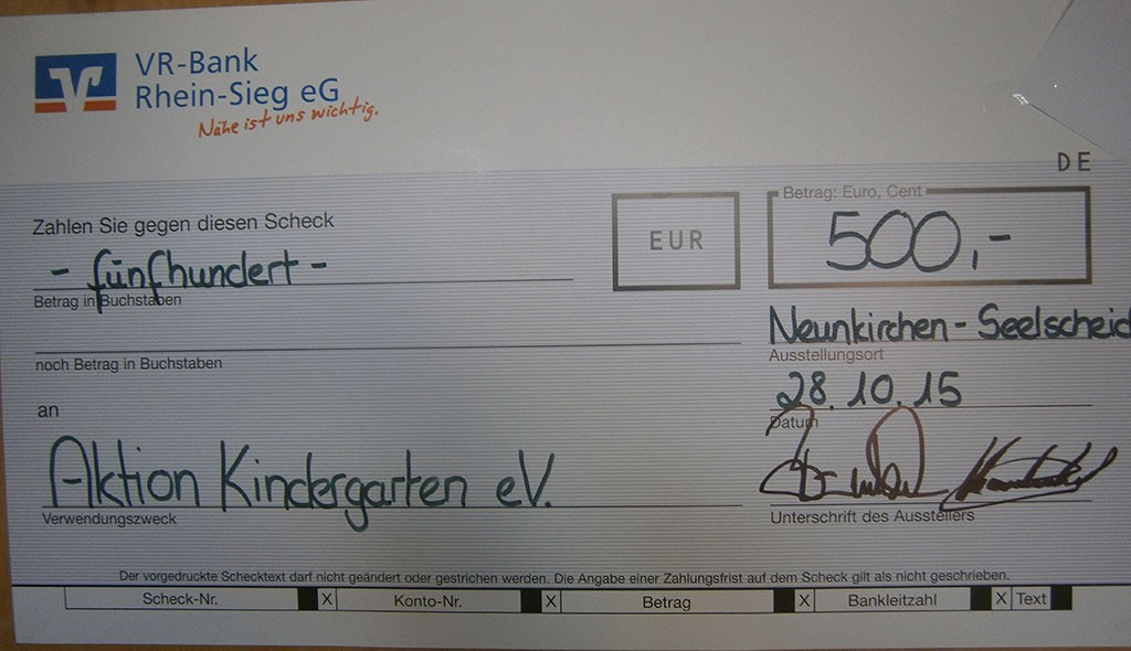 VR Bank Spende an Aktion Kindergarten Neunkirchen Seelscheid
